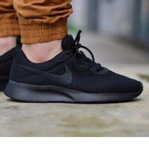 Nike Tanjun Men's Running Sneakers